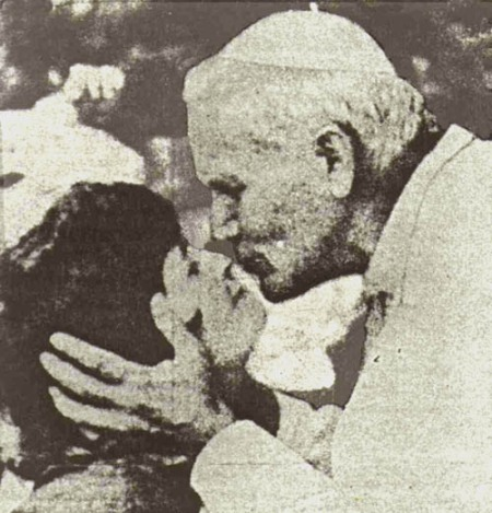 Kissing Pope