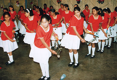 Dancing-girls-at-KPS