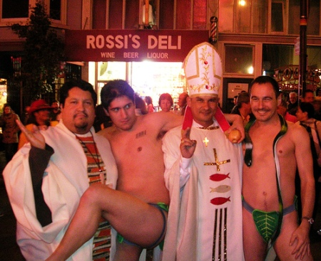 gay-priests-common-in-Xianity