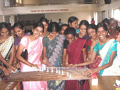 Kalaikkaaveri-Students