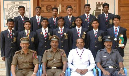 Rajarathnam-with-NCC-cadets