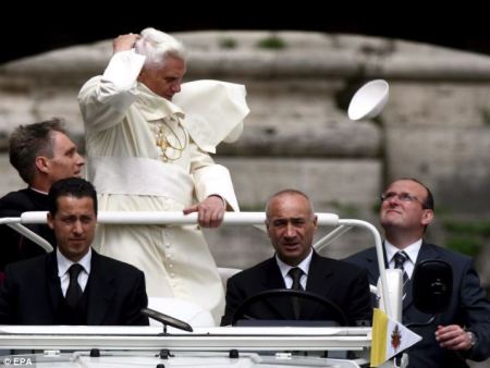 Pope topless - air blows away cape2