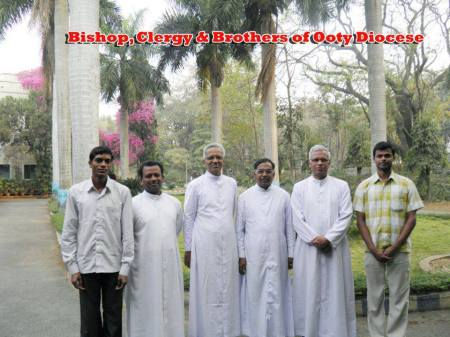 Thomas with Ooty diocese members
